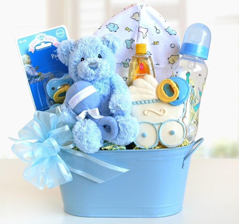 Полезные подарки для новорожденных мальчиков в Москве