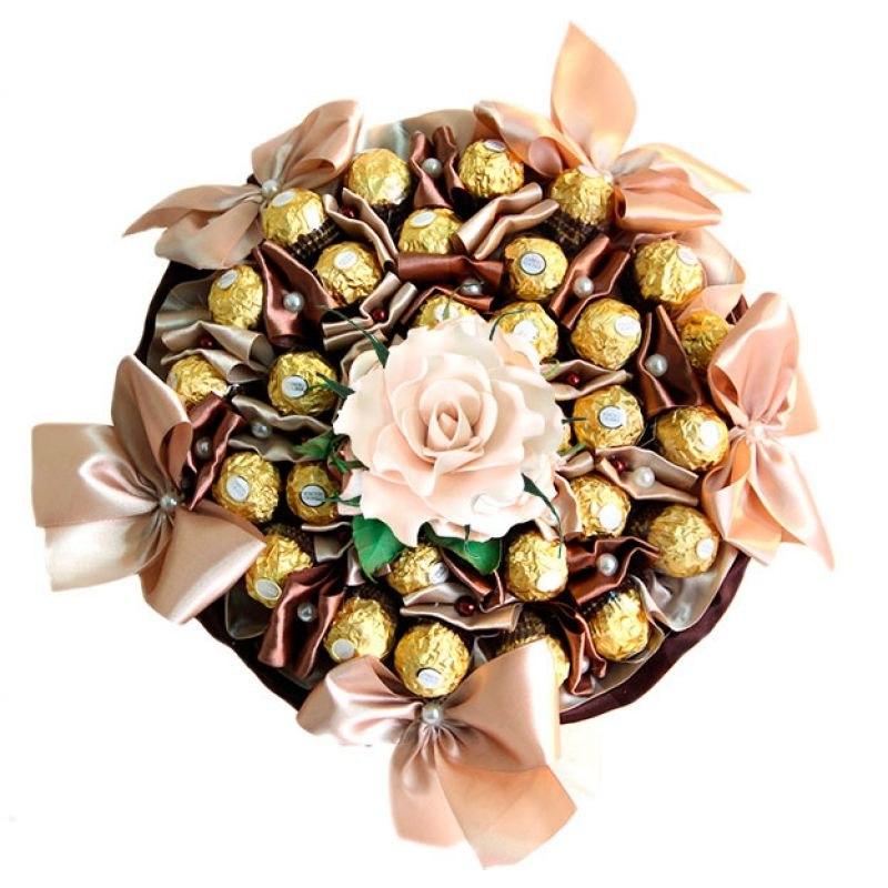 Букет из конфет  в Москве